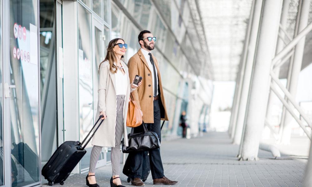Zwei Kollegen auf Dienstreise nach Österreich